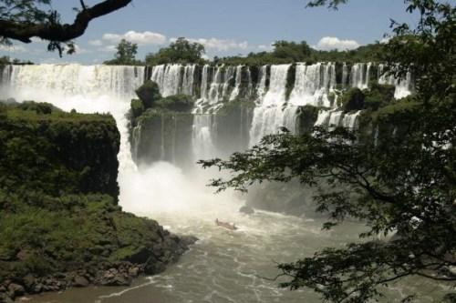 iguacu_falls-e1375383694981
