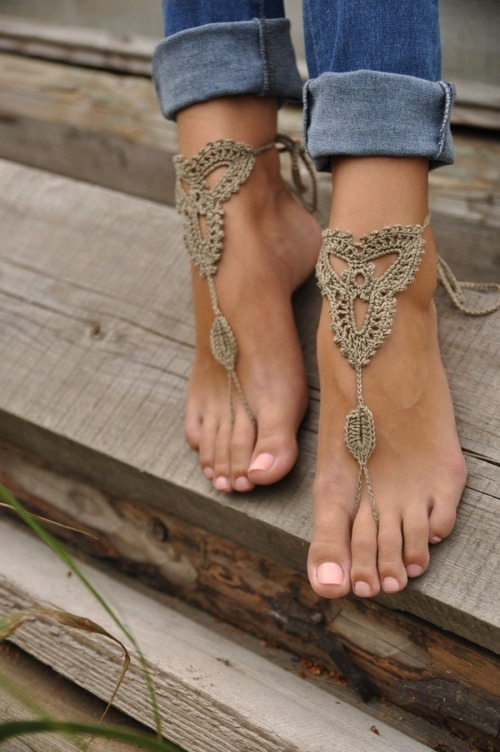 Dress up your feet to go barefoot