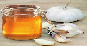 Here's-What-Can-Really-Happen-If-You-Eat-Raw-Garlic-and-Honey-Every-Morning-on-an-Empty-Stomach