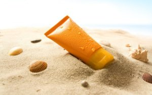 sunscreen_on_beach