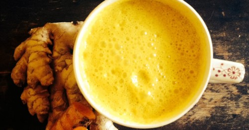 improve-digestion-to-lose-weight-with-this-turmeric-coconut-milk-drink-recipe