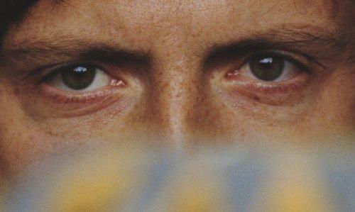 eye_contact_closer